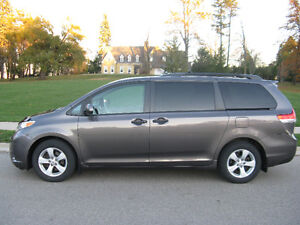 2012 Toyota Sienna V6 5dr 7-Pass FWD 3.5L Kitchener / Waterloo Kitchener Area image 1