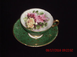 RARE/COLLECTIBLE STANLEY TEA CUP AND SAUCER GREEN & GOLD CHINTZ