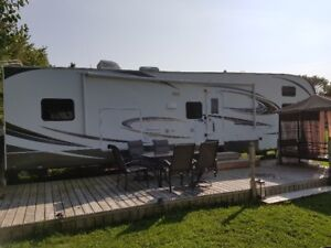 2014 Wildcat 337FB fifth wheel by Forest River