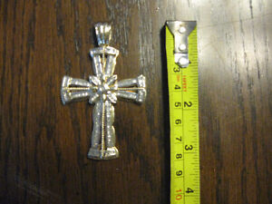 Beautiful gold and diamond cross pendant REDUCED! Windsor Region Ontario image 4