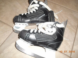 Junior skate size US11