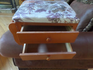 Cute sewing box footstool with floral top, like new. Sarnia Sarnia Area image 2