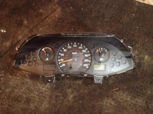Closter cadran ford focus 2003 30$  en bon etat