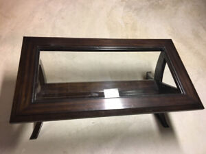 Solid Wood Coffee Table, Expresso Brown good condition!