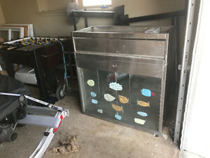 Quest - Refrigerated Display Case