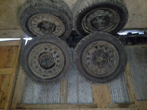 4 Hankook Winter I Pike tires on winter rims