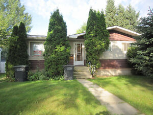 House for Rent in Redwater Available Immediately!  Double Garage