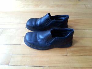 chaussure de sécurité avec bout en acier