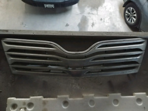 2009 - 2012 toyota Venza grill OEM