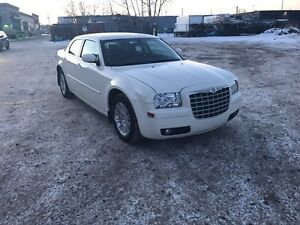 2008 Chrysler 300 limited ** great condition