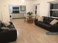 3 bedroom flat in Rothsay Street, London , SE1 (3 bed)