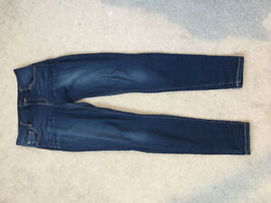 GUESS Size 26 Jeans - Skinny Dark Wash