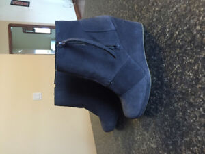 New Tom suede ankle boots