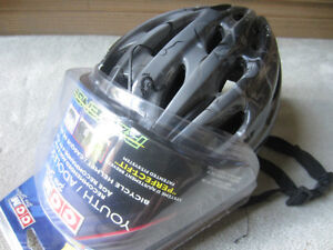 BRAND NEW - CCM YOUTH/ADOLESCENT BICYCLE HELMET