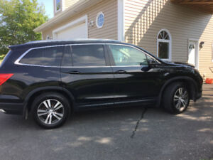 For sale 2016 Honda pilot all wheel drive  loaded