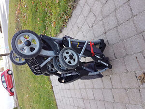 Stroller/double/single in almost new condition $80 West Island Greater Montréal image 4