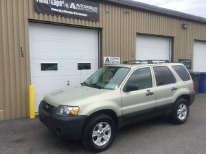 2006 Ford Escape Xlt Awd, v-6, toit ouvrant,ens.remorquage,A-1