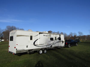 "2010 Durango 35'6"" Bunk House,2 slide outs,2 Bedrooms"