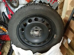 4 very low mileage winter tires + rims (1 winter!)