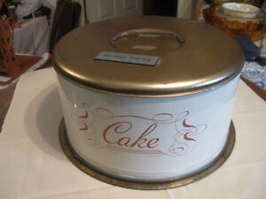 LARGE METAL HANDLED CAKE CADDY with TURN LOCK
