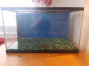10 Gallon fish tank for sale for 15$