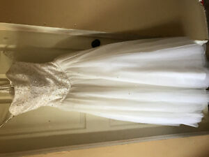 White Alfred Angela wedding dress