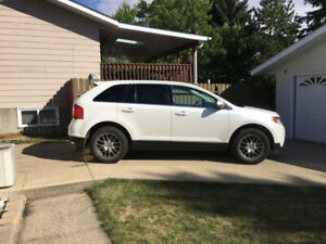 """2013 Ford Edge Limited AWD  """"Excellent Condition"""" Low KM"""