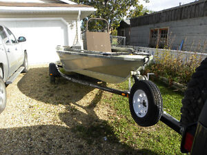 2007 Firefish 15 foot Snapper in good, running condition