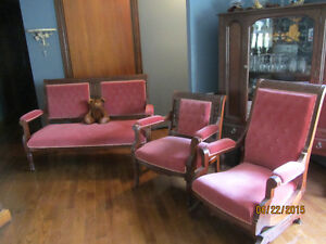 antique chesterfield set 3 pc
