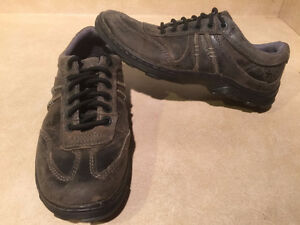 Dr. Martens Air Cushion Sole Shoes Men's Size 9, Women's Size 10 London Ontario image 5