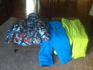 Billabong snowboard jacket Youth Size 10 with 2 pants M and L Kitchener / Waterloo Kitchener Area image 1