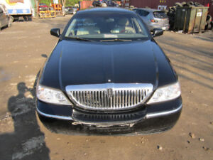 2004 Lincoln Town Car ** FOR PARTS ** INSIDE & OUTSIDE***