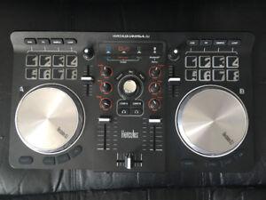 Table DJ