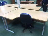 Radial ergonomic desks