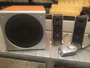Logitech Z3 PC/Mac Computer Speakers System Set Subwoofer USED