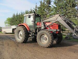 Massey Ferguson 8260 MFWD tractor