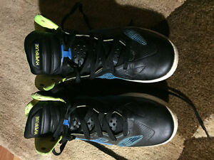 Men's size 8 Nike hyperfuse