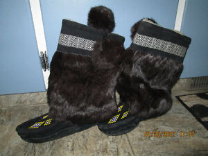 BLACK MUKLUKS FOR SALE