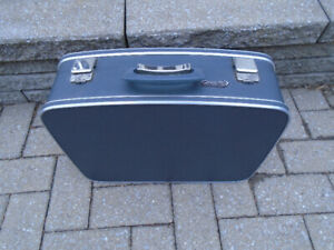 ANCIENNE VALISE  DE VOYAGE RIGIDE SELECT AIR MONTREAL