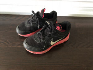 Girl's Nike Running Shoes