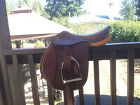 "16"" collegiate English saddle"