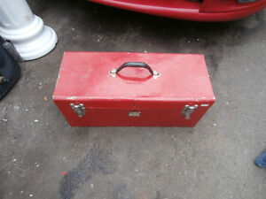 one tool box left by old owner of house $15  450-628-4656  514-