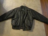 Leather Jacket/Like new/Size Medium 38-40