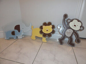 KIDSLINE LLC , CHILD'S ROOM DECOR, WOODEN WALL HANGINGS