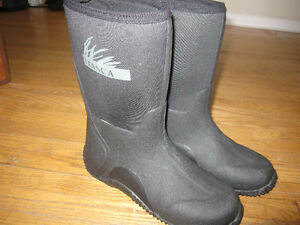 Brand New RUBBER BOOTS - MEN'S Size 7 Peterborough Peterborough Area image 2