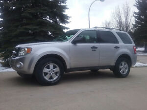 2010 Ford Escape XLT SUV, V6 3.0L AWD, Crossover