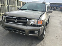 2003 Nissan Pathfinder LE SUV, Crossover