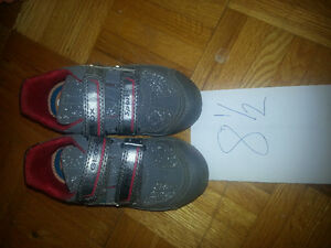 Geox boys excellent condition with lights size 8.5 West Island Greater Montréal image 1