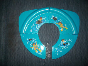 FOLDABLE TOILET SEAT FOR TRAINING YOUR CHILD
