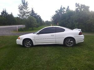 2003 Pontiac Grand Am GT Coupe (2 door)